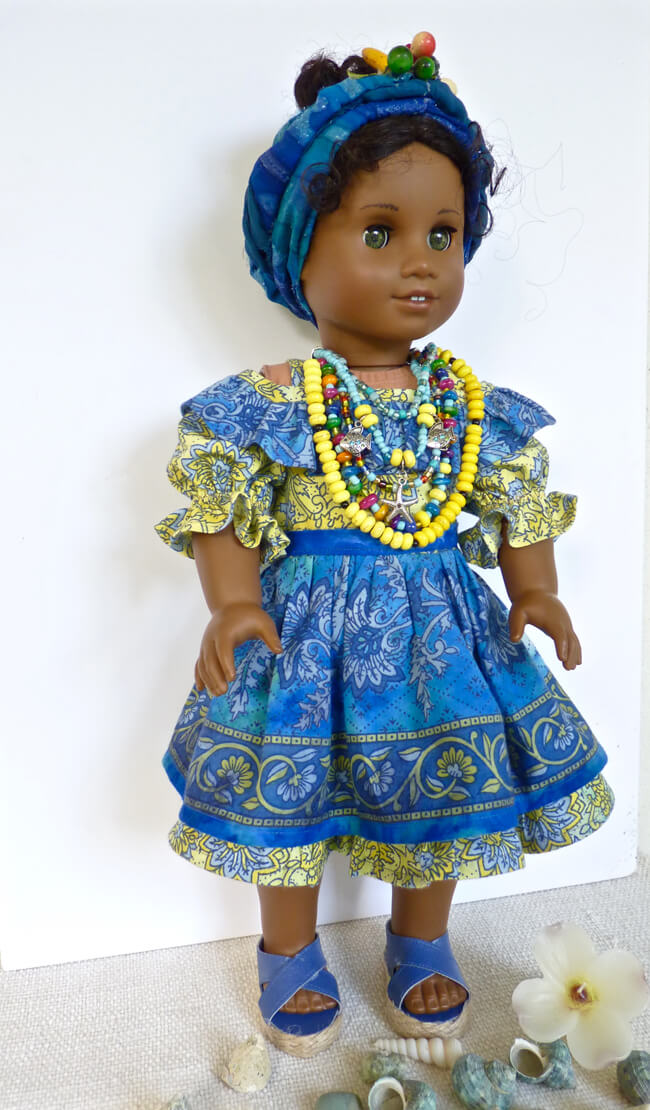 Linda D. of rhinestonestorubies on Etsy made this stunning, Brazilian ensemble for her American Girl doll using our 2016 FREE pattern for Lee & Pearl mailing list subscribers — 1035: Olá Brasil! Samba Top, Bahia Dress, Baiana Headwrap and Jewelry Tutorials for 18 Inch Dolls. Join our mailing list at www.leeandpearl.com to get your own copy of this wonderful pattern!