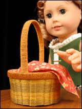 Make easy baskets for 18 inch dolls using this FREE Lee & Pearl printable and tutorial.
