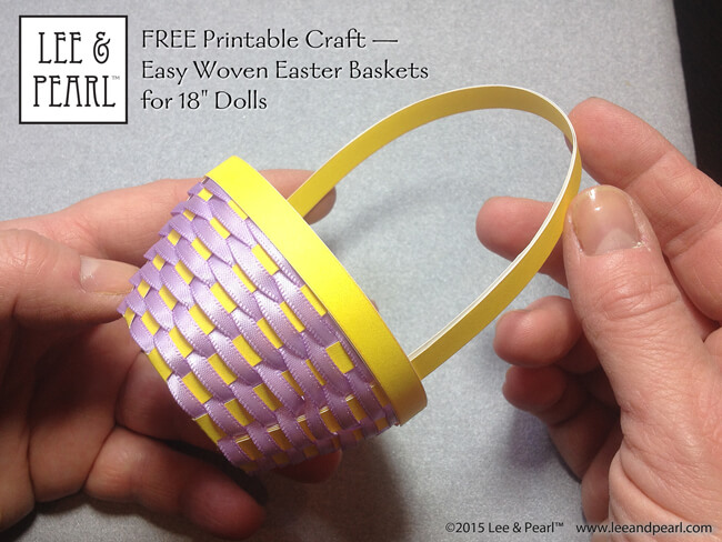 Make Easter baskets for your American Girl dolls and other 18 inch dolls using Lee & Pearl's FREE printable templates and detailed, photo-illustrated tutorial. Get your own printable package — which includes several shapes and sizes, including a NEW large, straight-sided basket — in the Lee & Pearl March 2016 Newsletter.