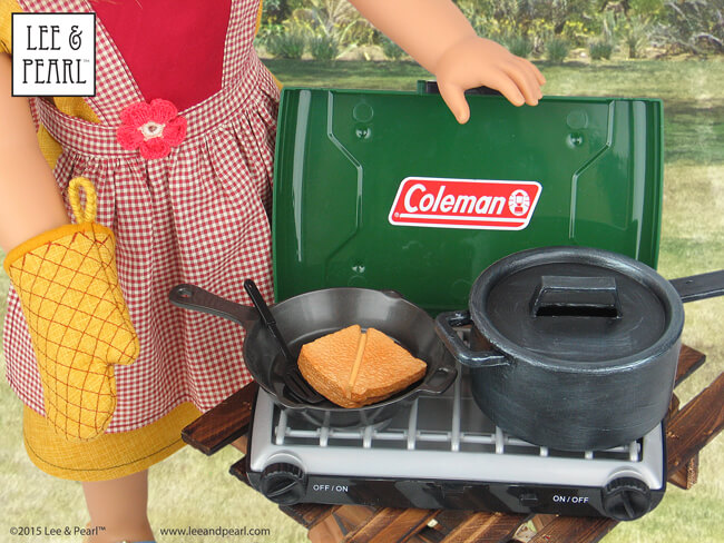 Lee & Pearl Pattern 1022: Cookie Time Apron and Oven Mitt — and the awesome Coleman stove from Sophia's!